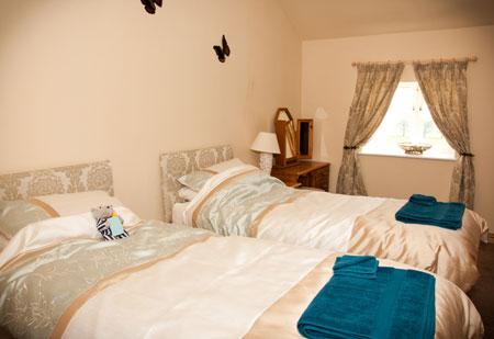 Twin Bedroom in Cowslip